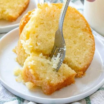 SLICE, KENTUCKY BUTTER CAKE WITH WARM RUM BUTTER SAUCE