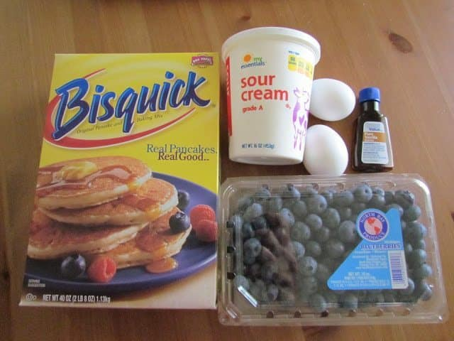 Bisquick, sour cream, fresh blueberries, eggs, vanilla extract
