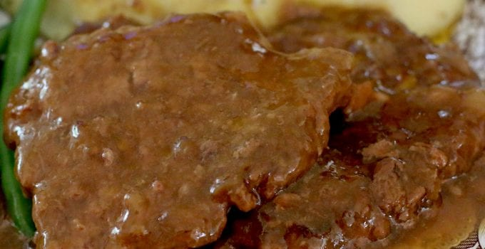 Crock Pot Cubed Steak with Gravy