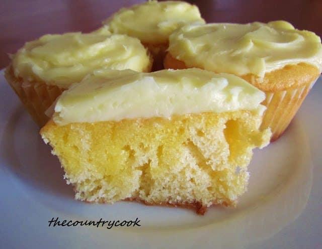 Jello Poke Cake Recipe With Pudding: Strawberry Jell-O Poke Cupcakes