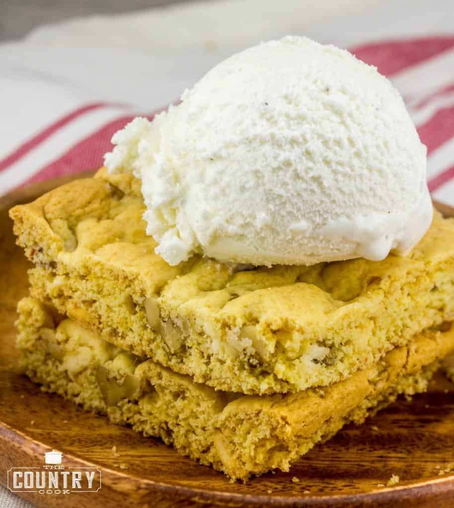 Blondies with Vanilla Ice Cream