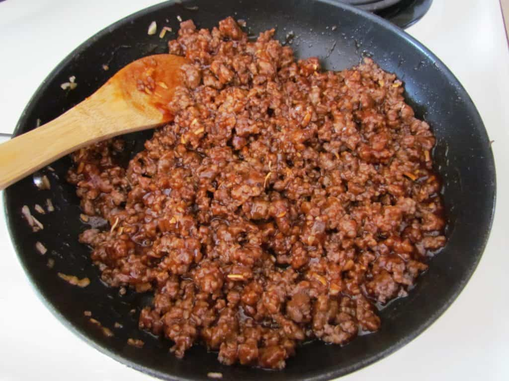 barbecue sauce with cooked ground beef