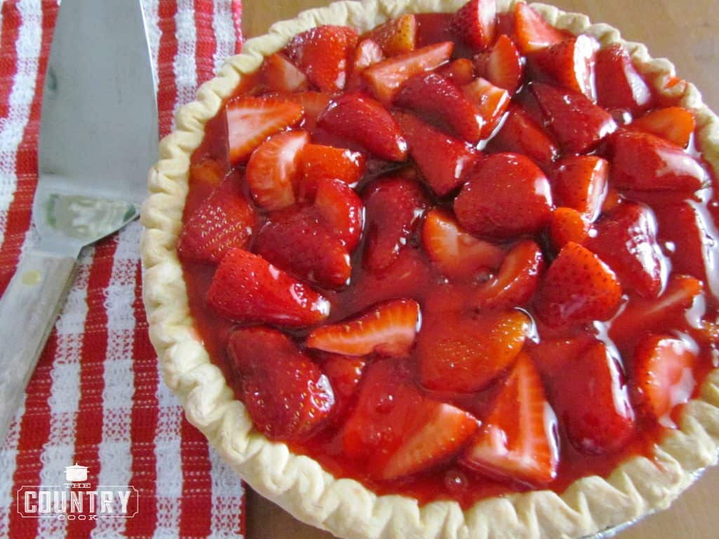 completely cooled fresh strawberry pie