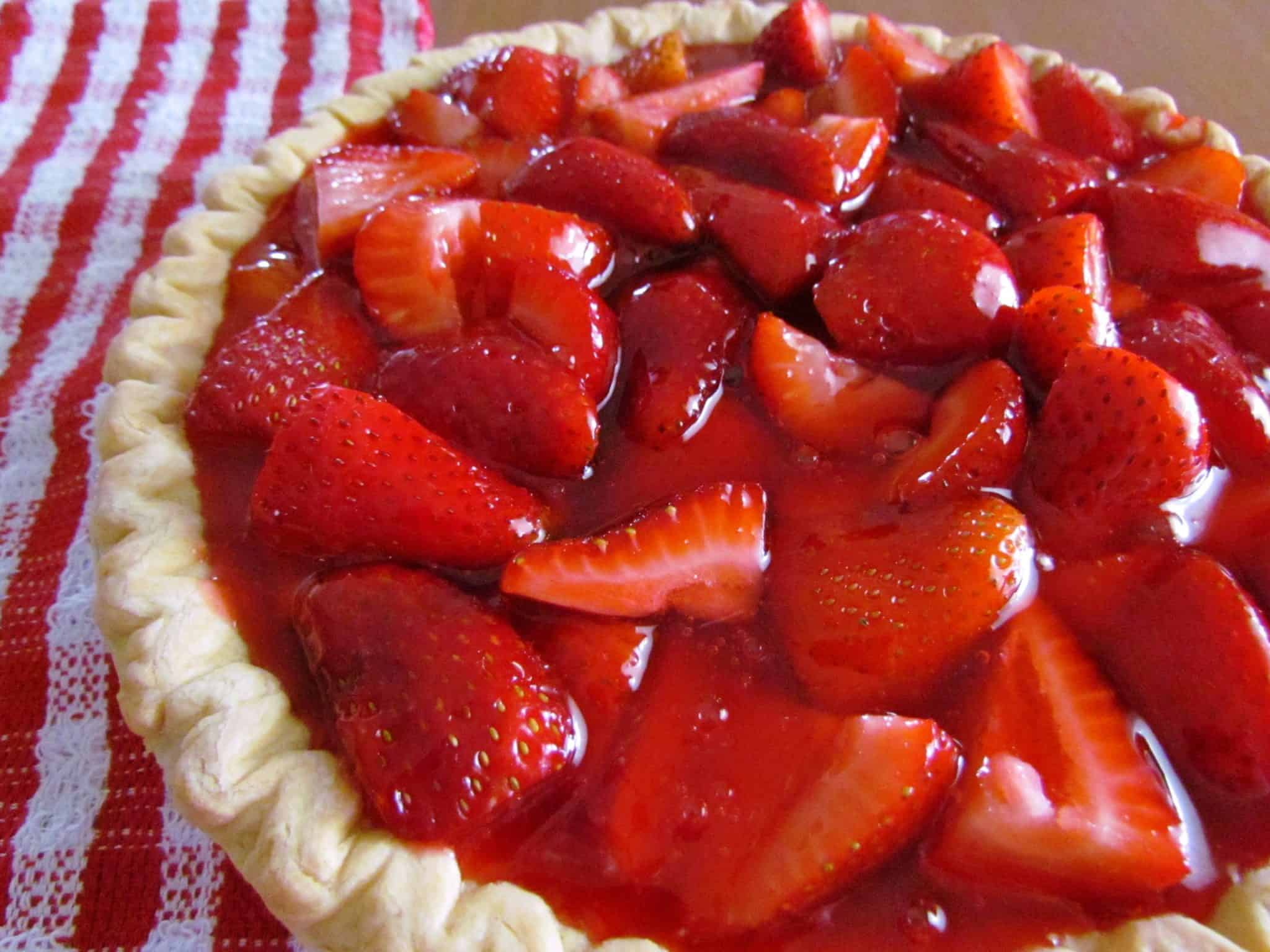 SHONEY'S STRAWBERRY PIE (+Video) | The Country Cook