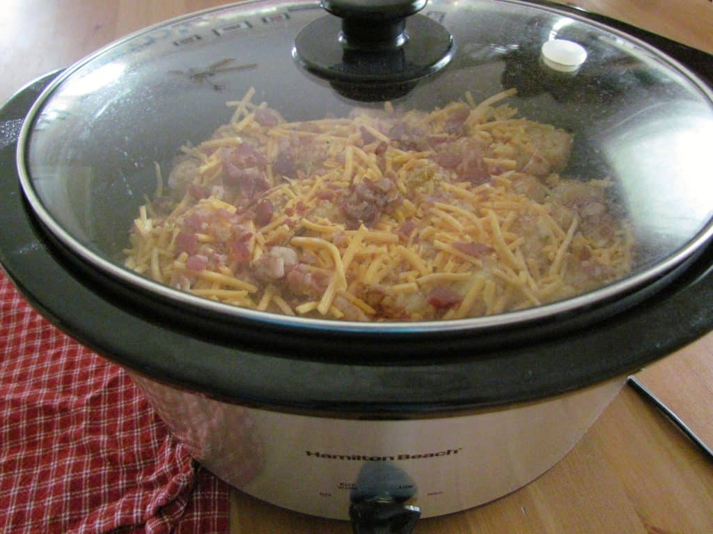 covered 6-quart slow cooker