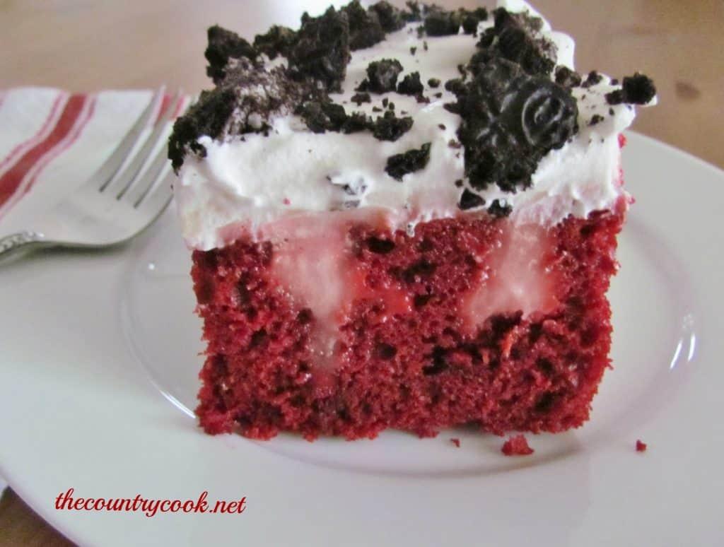 red-velvet-poke-cake-thecountrycook-net-2