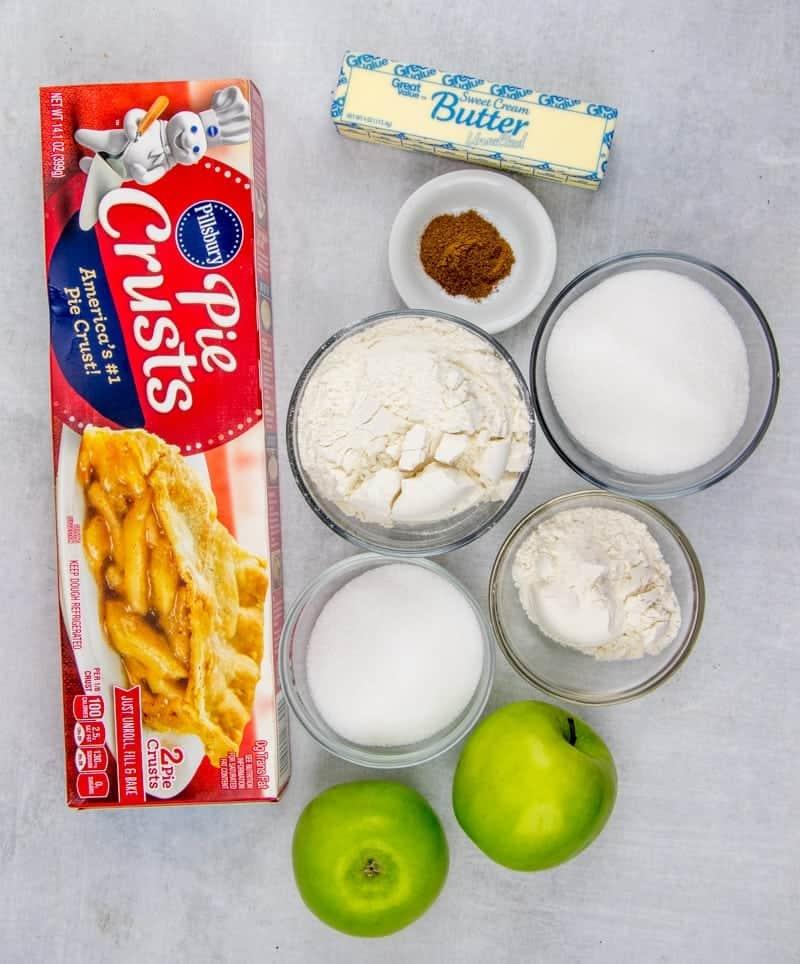 pie crust, green Granny Smith apples, flour, butter, vanilla extract, cinnamon.
