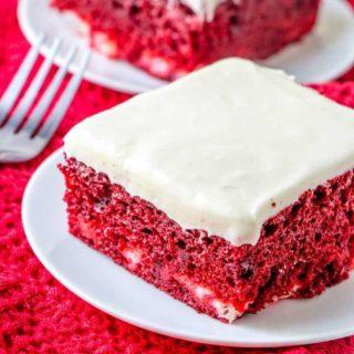 Easy Red Velvet Cheesecake Cake recipe