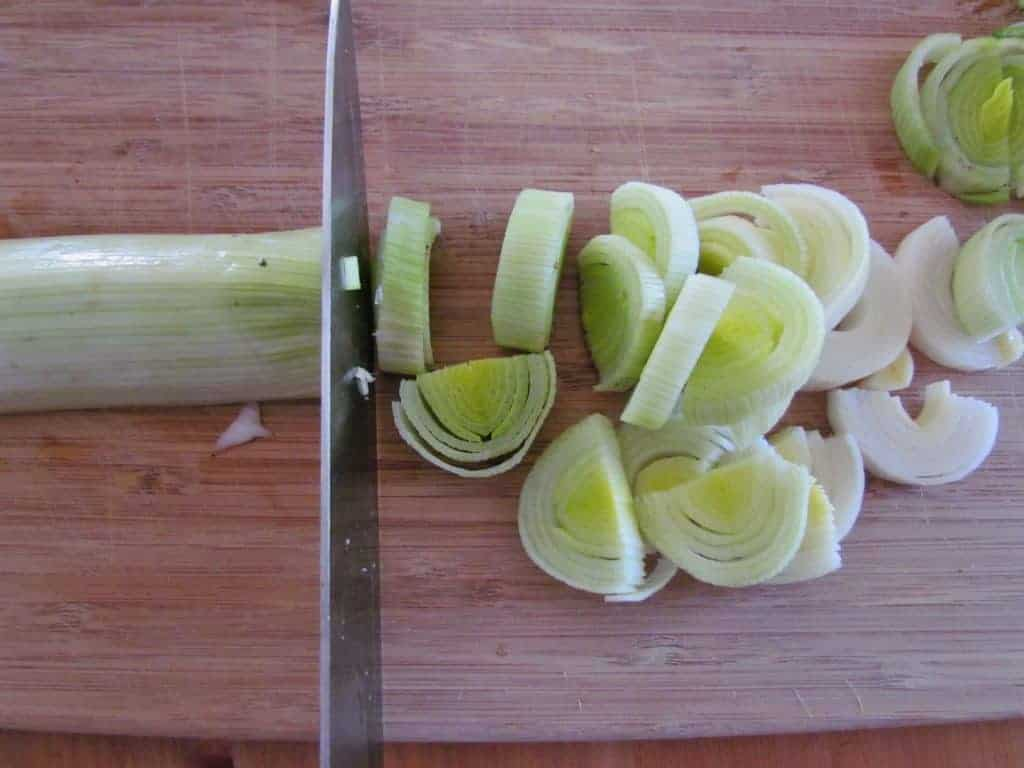 cutting and slicing leeks
