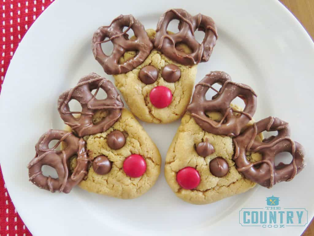 reindeer-cookie-plate