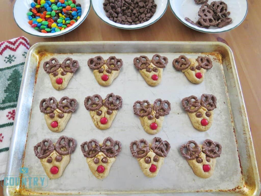 reindeer-cookies-the-country-cook
