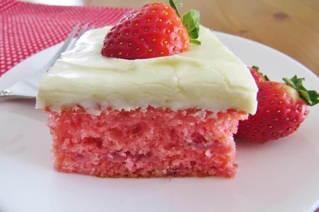Fresh Strawberry Cake, horizontal