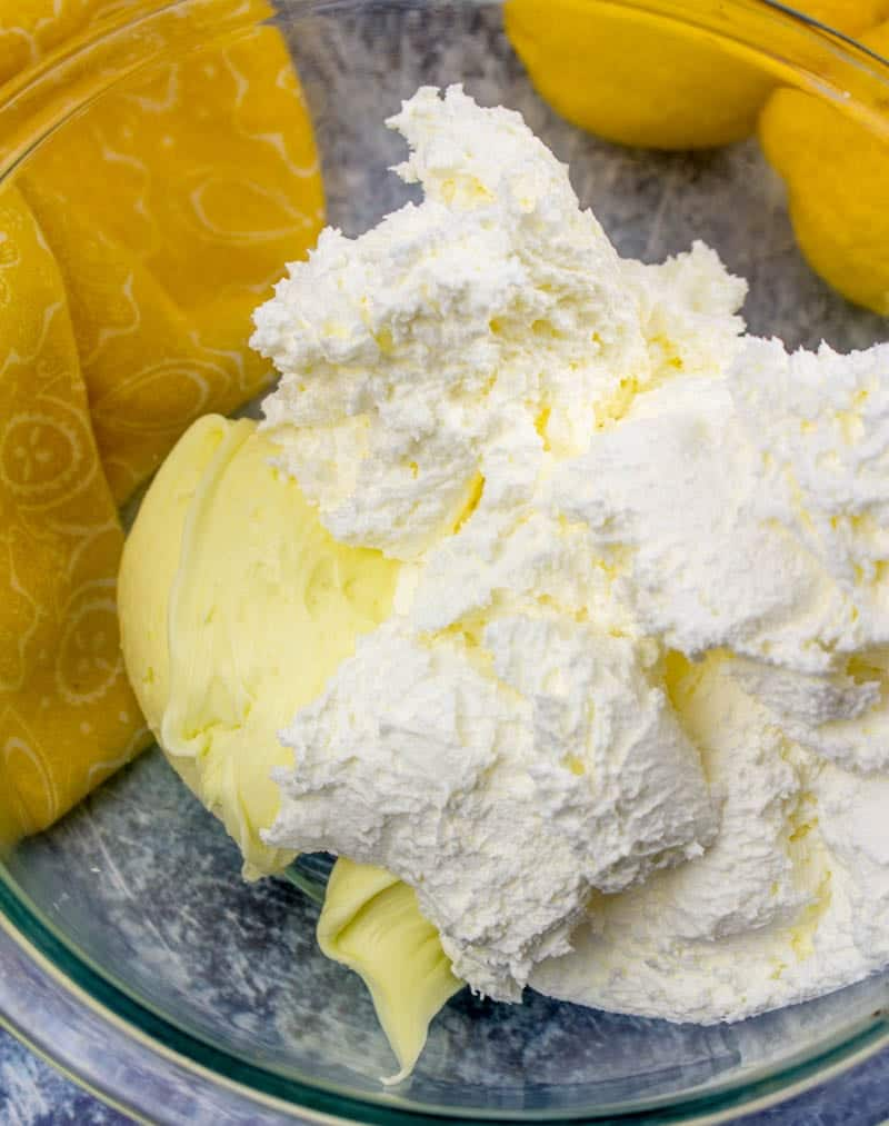 lemon frosting and cool whipped combined together