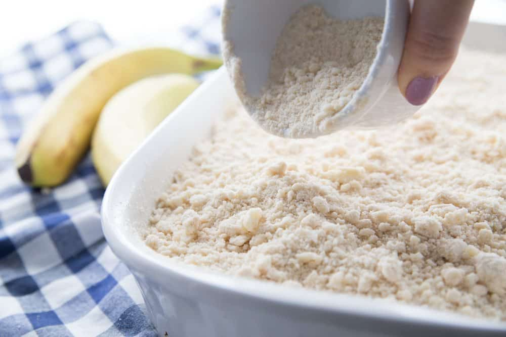 sprinkle crumb topping on top of banana batter