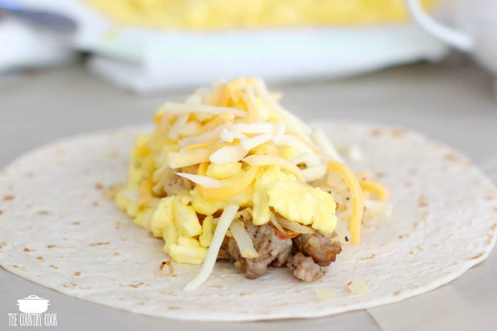 Easy Breakfast Burritos (freezer friendly)