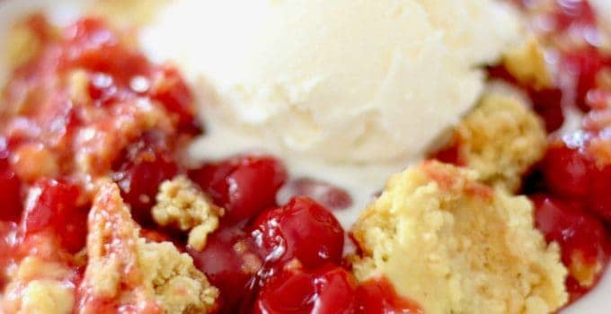 EASY CHERRY DUMP CAKE (+Video)