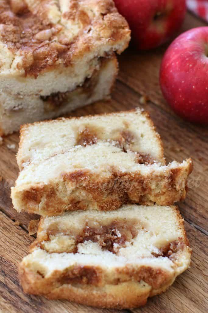apple-pie-bread-copyright-thecountrycook-net
