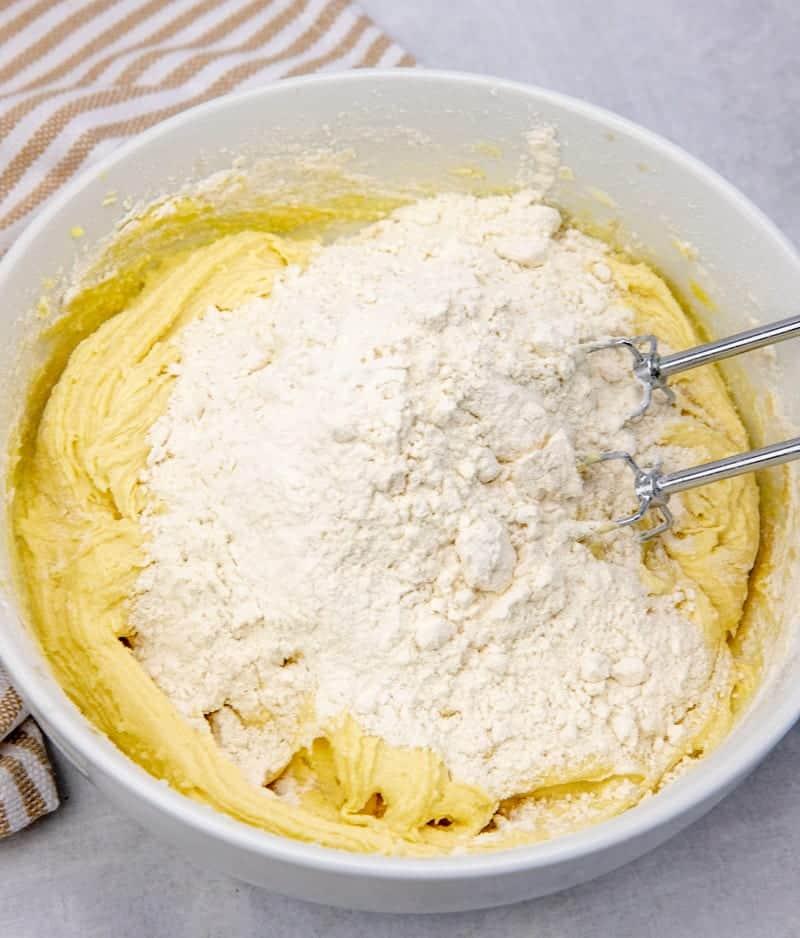 flour added to cherry pie bar batter