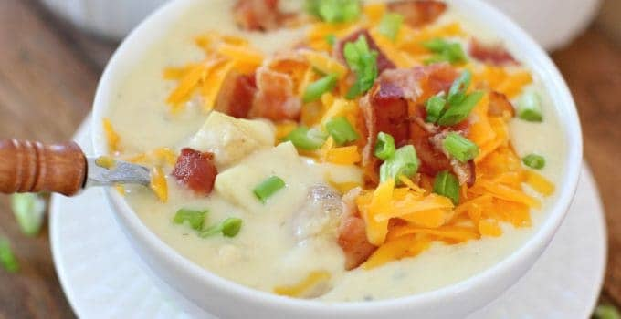 Crockpot Cheddar Bacon Ranch Potato Soup