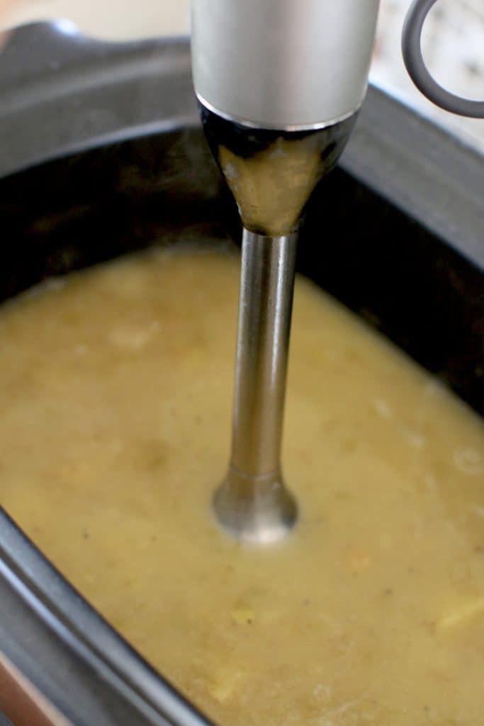 Crock Pot Cheddar Bacon Potato Soup