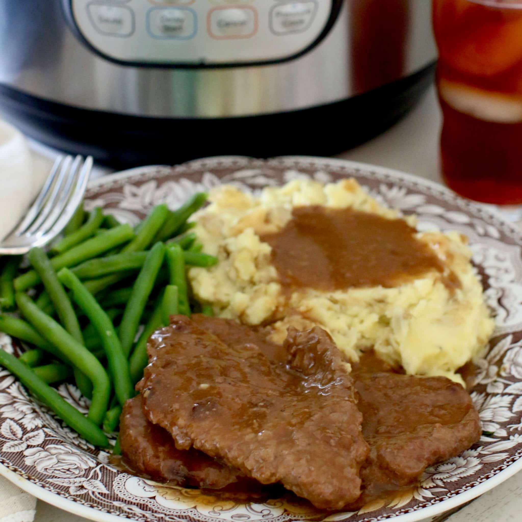 Instant Pot Cubed Steak And Gravy The Country Cook