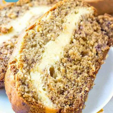 Banana bread stuffed with cheesecake filling