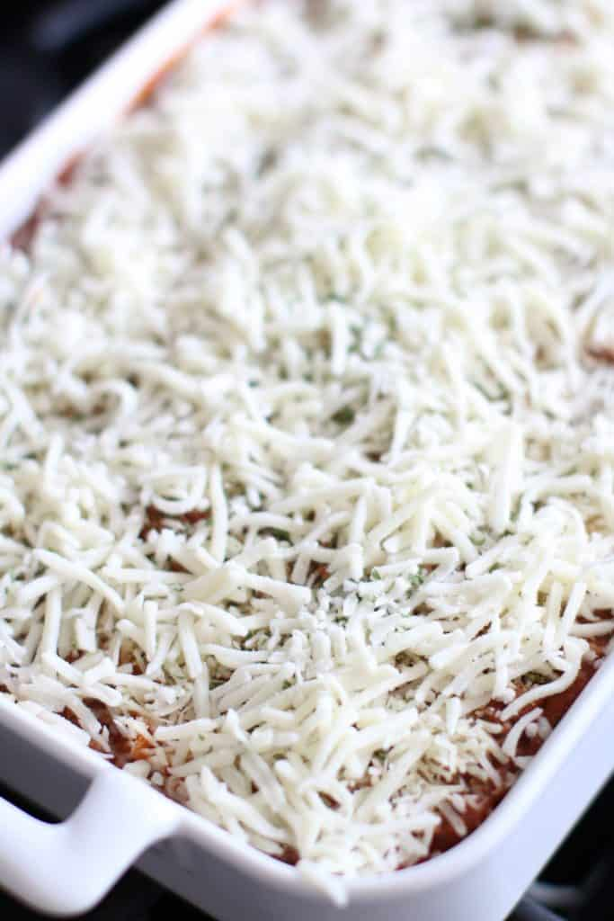 shredded mozzarella cheese topping