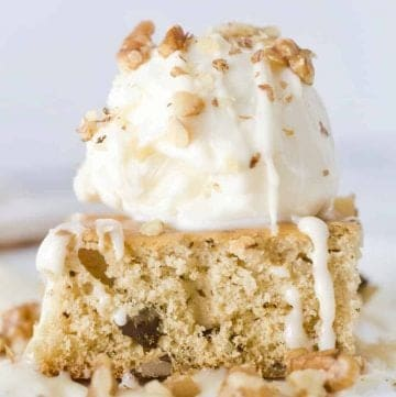 Copycat Applebee's Blondies with ice cream and maple butter sauce