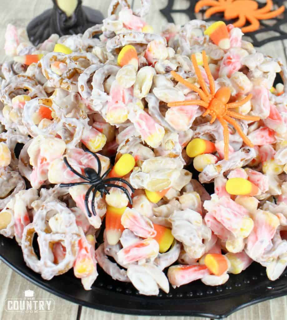 Halloween, No-Bake, Easy White Chocolate Pretzels, Peanuts and Candy Corn