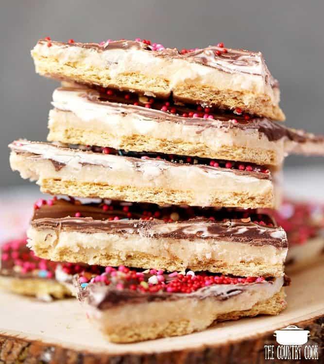 Marbled Valentine's Day No Bake Graham Cracker Toffee