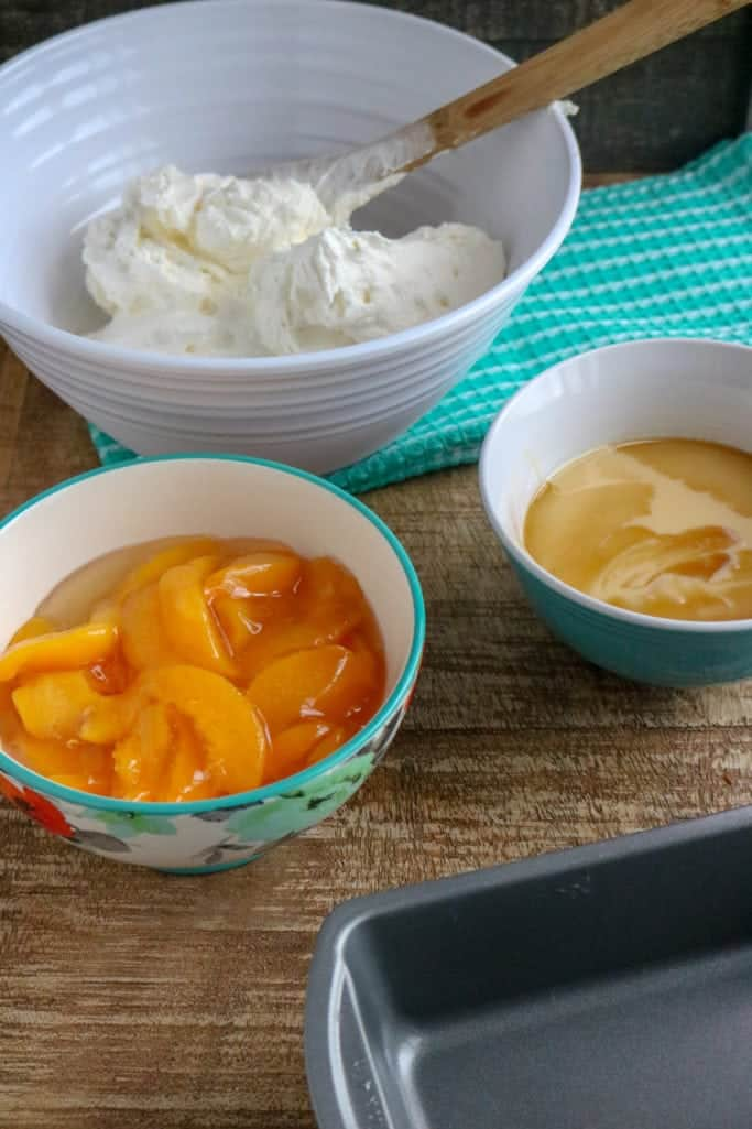 heavy whipping cream, peach pie filling, sweetened condensed milk and vanilla extract