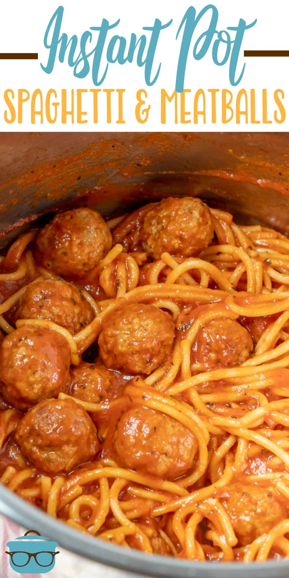 It only takes 5 ingredients to make this Easy Instant Pot Spaghetti and Meatballs! A delicious dinner will be ready in 30 minutes! #instantpot #dinner