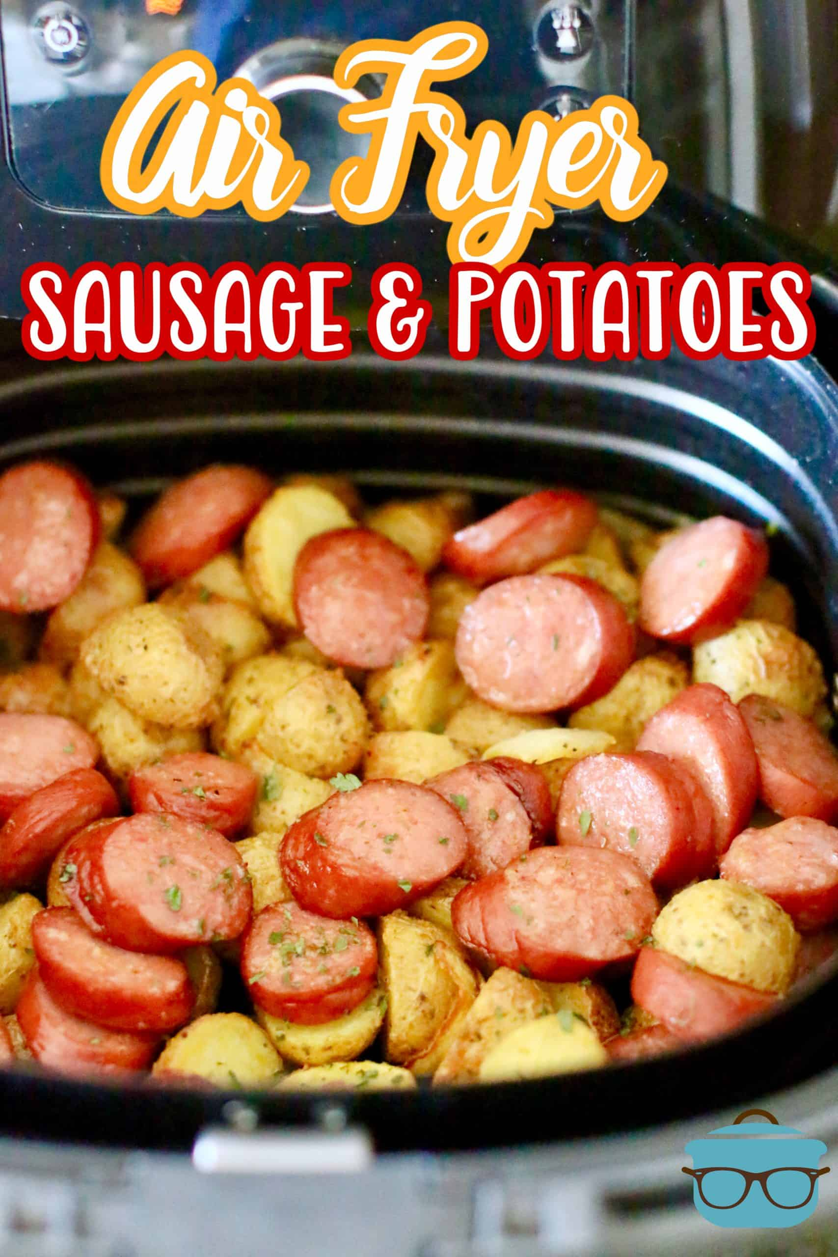 This easy Air Fryer Potatoes and Sausage Meal is a one pot dinner that everyone is sure to love. Plus, it's all air fried so no oven needed! #airfryermeal #easydinnerideas