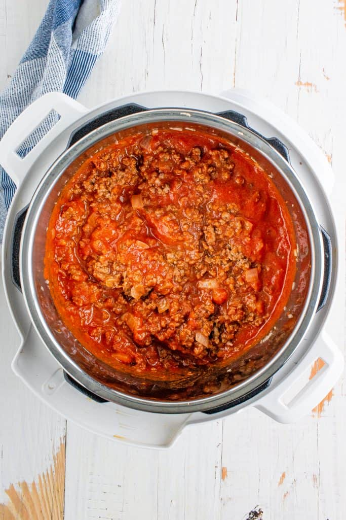 marinara sauce added to ground beef mixture