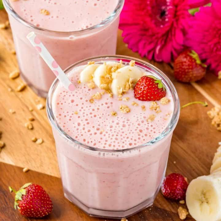 The Best Strawberry Banana Smoothie