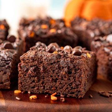 Easy Chocolate Pumpkin Cake