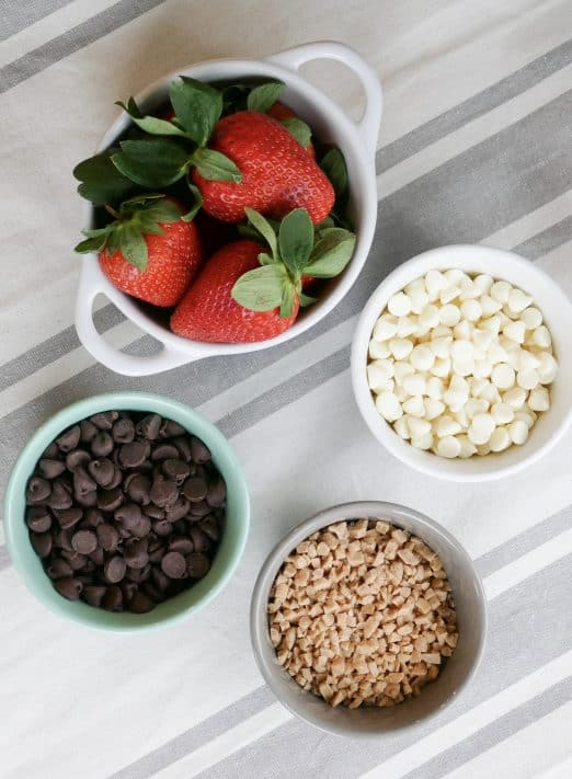 Ingredients needed to make Chocolate Covered Strawberries