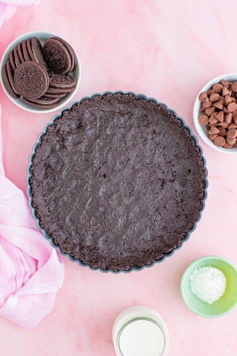 Crosta de Oreo prensada em forma de torta