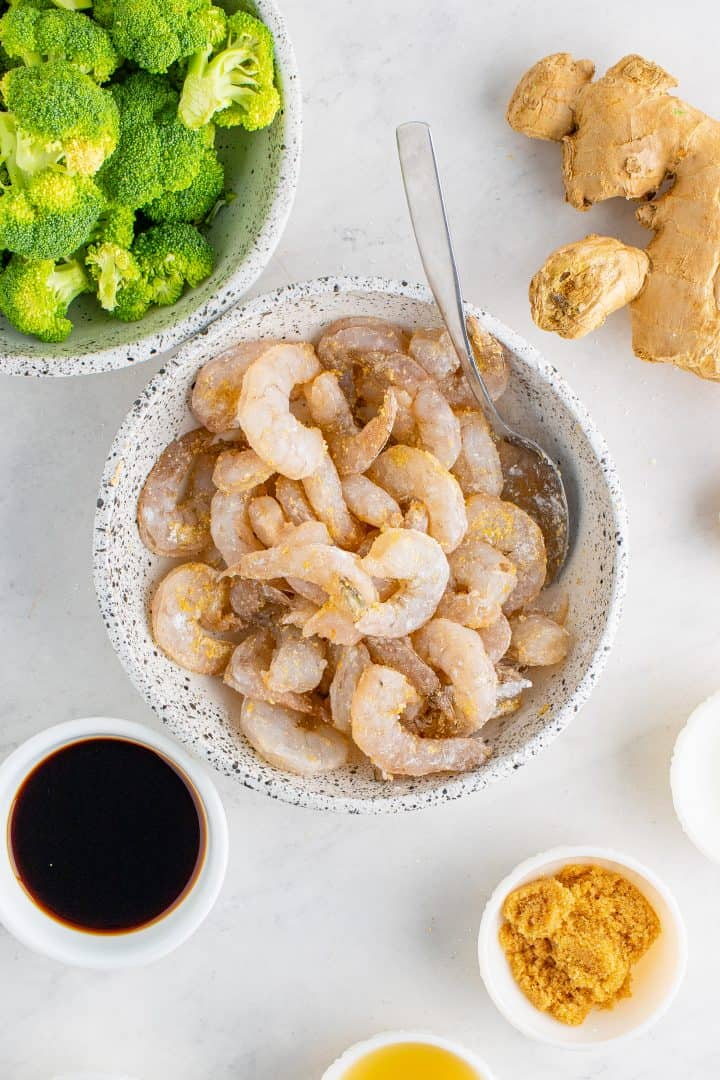 Shrimp mixed up with cornstarch and garlic powder
