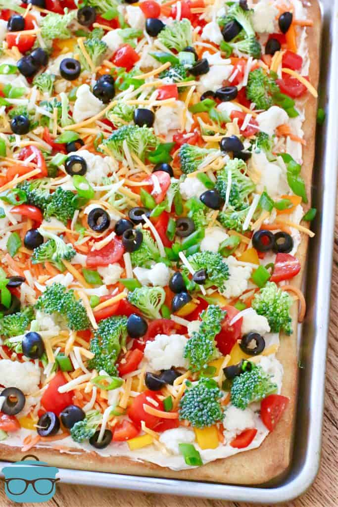 Vegetable Pizza, fully done in a baking pan