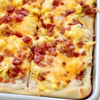Bacon, Egg and Cheese Breakfast Pizza recipe