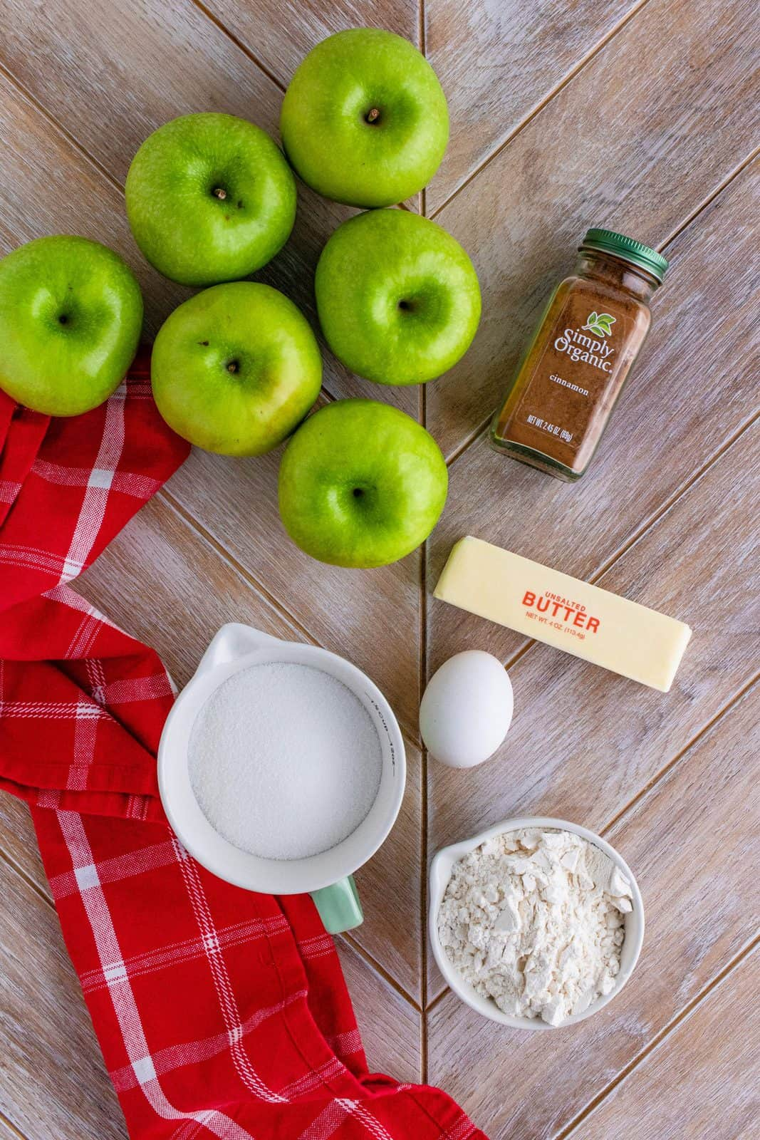 Ingredients needed: apples, granulated sugar, cinnamon, butter, all-purpose flour and egg.